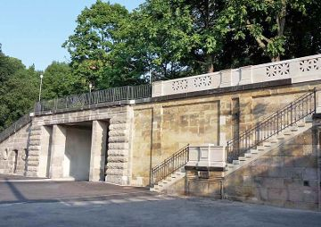 Historische Brücke am Königsufer, Dresden