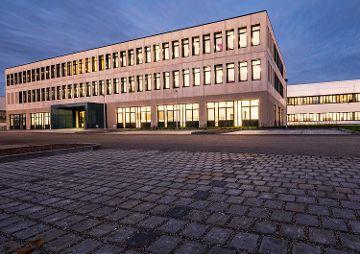Entwicklungs- und Produktionshalle mit Büro und Testhalle, Oberpfaffenhofen