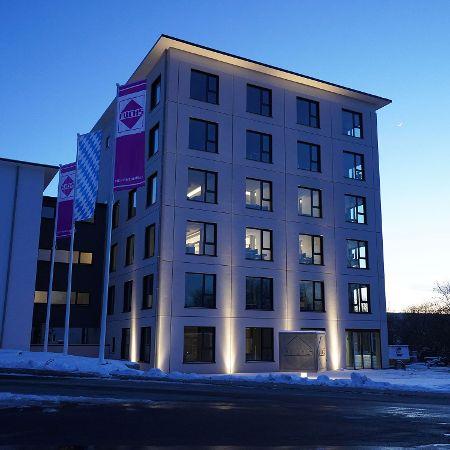 Verwaltungsgebäude mit Architekturbeton, Berching
