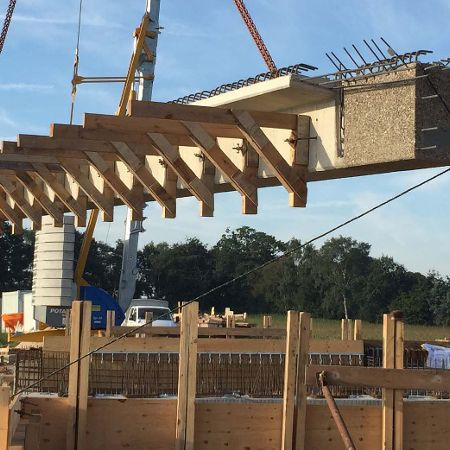 Brücke aus acht vorgespannten Stahlbetonfertigteilen, Gemeinde Lähden